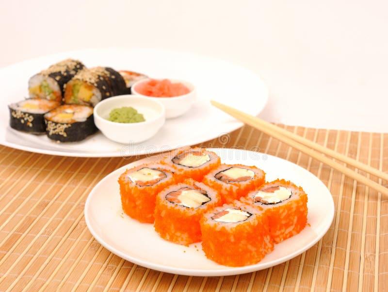 Rolls avec l'aumônier de caviar. photos stock