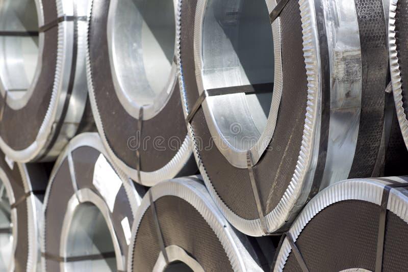 Rolls d'acier galvanisé laminé à froid avec le revêtement en polymère photographie stock