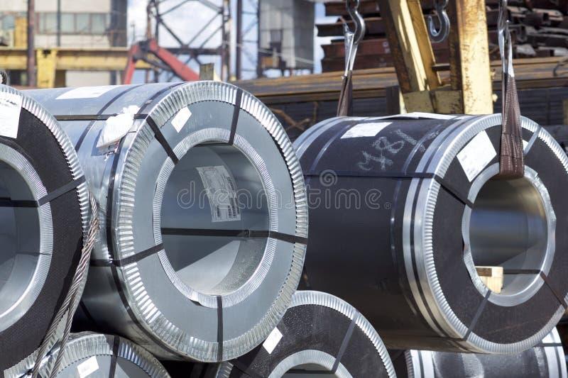 Rolls d'acier galvanisé laminé à froid avec le revêtement en polymère photo stock