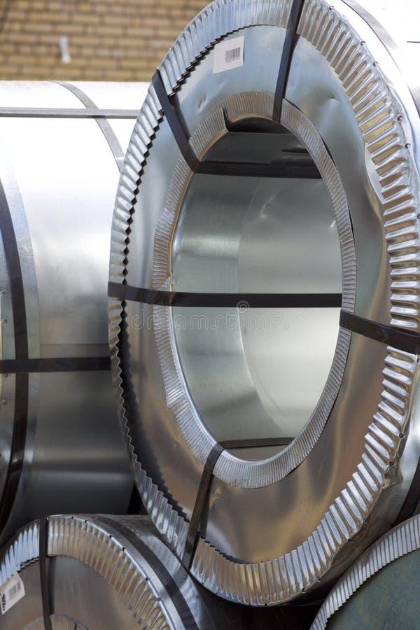 Rolls d'acier galvanisé laminé à froid avec le revêtement en polymère photographie stock libre de droits