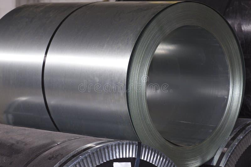 Rolls d'acier galvanis? lamin? ? froid en stock photographie stock libre de droits