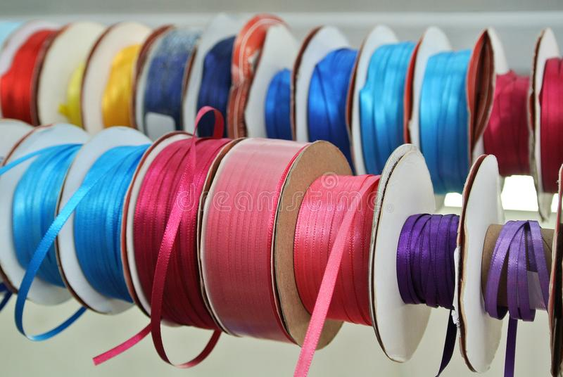 Rolls de la cinta coloreada imágenes de archivo libres de regalías