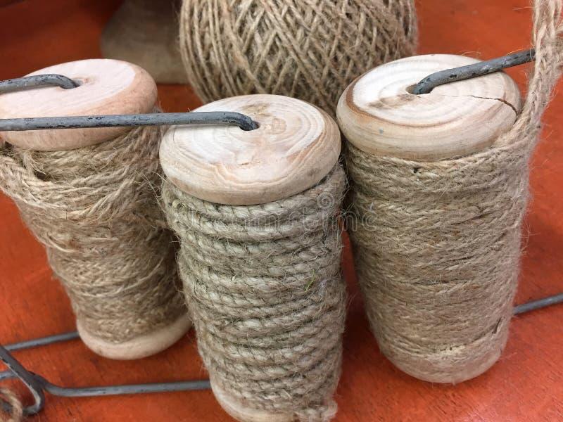 Rolls de la cuerda del cáñamo foto de archivo