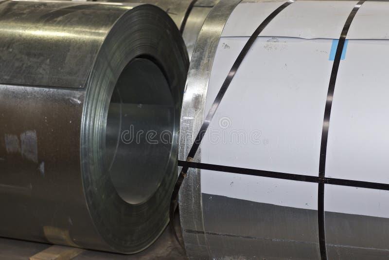 Rolls des kaltgewalzten galvanisierten Stahls auf Lager lizenzfreies stockbild