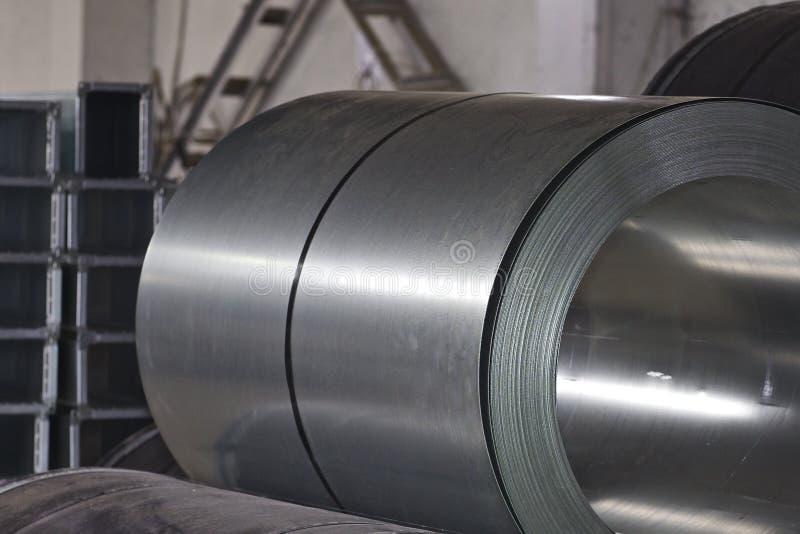 Rolls des kaltgewalzten galvanisierten Stahls auf Lager lizenzfreie stockbilder