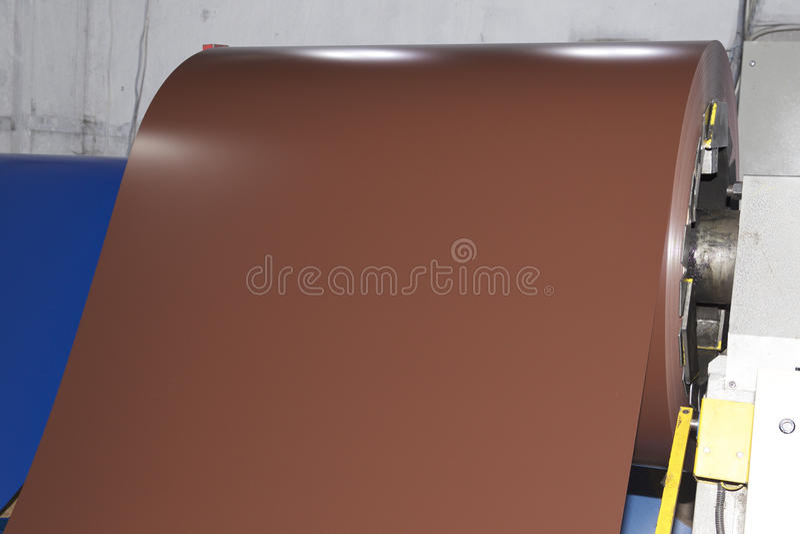 Rolls des kaltgewalzten galvanisierten Stahls mit Polymerbeschichtung stockbilder