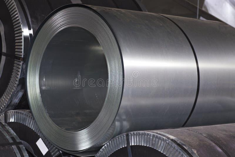 Rolls di acciaio galvanizzato laminato a freddo in azione immagine stock libera da diritti