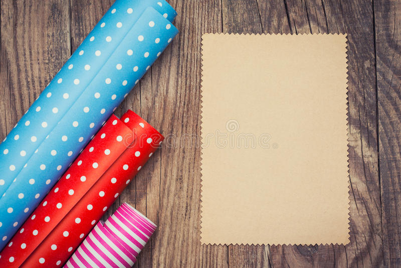 Rolls di carta da imballaggio colorata immagine stock libera da diritti