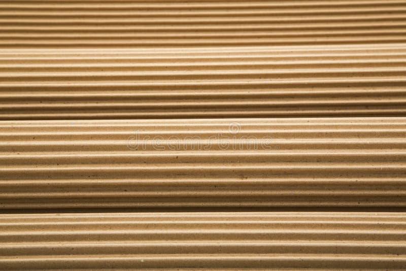 Rolls increspa il fondo del cartone ondulato fotografia stock