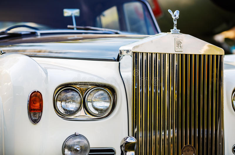 Rolls Royce - ретро автомобиль стоковое изображение