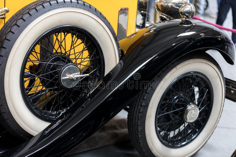 Rolls royce convertível na mostra de Moto em Krakow produzido foto de stock royalty free