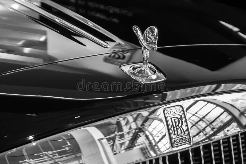 Rolls Royce, de geest van Ecstasy figuur op een motorkap BMW Welt, München, Duitsland, maart 2020 royalty-vrije stock foto