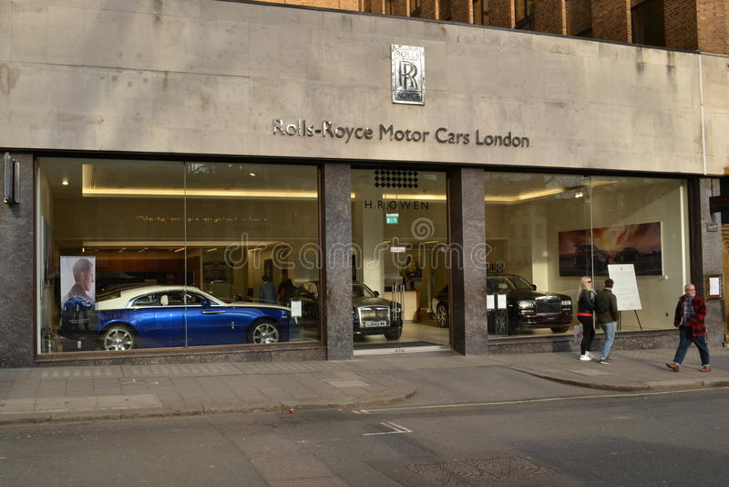 Rolls Royce Dealers >> Rolls Royce Dealership Stock Images Download 23 Royalty