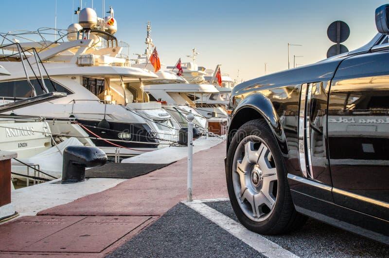 Rolls Royce ha parcheggiato in Puerto Banus, Marbella fotografia stock