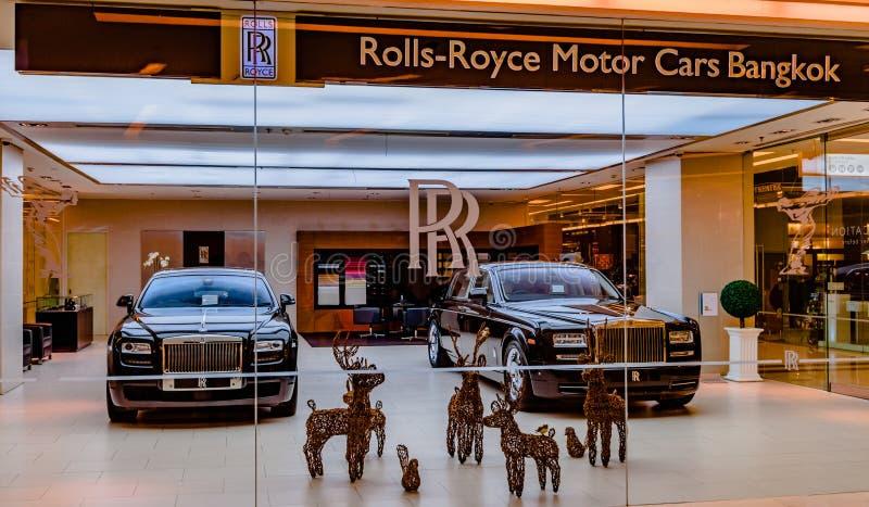 Rolls Royce Motorowi samochody w Bangkok centrum handlowym obraz royalty free