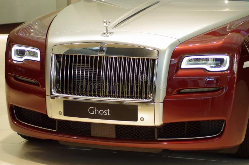 Rolls Royce na exposição da equimose do Bmw imagem de stock royalty free