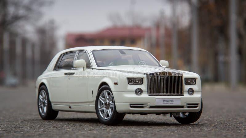 Rolls Royce Phantom fundiu o 1:18 modelo Kyosho foto de stock royalty free