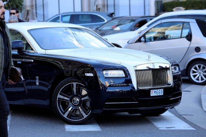 Rolls royce preto e branco em Mônaco imagem de stock royalty free