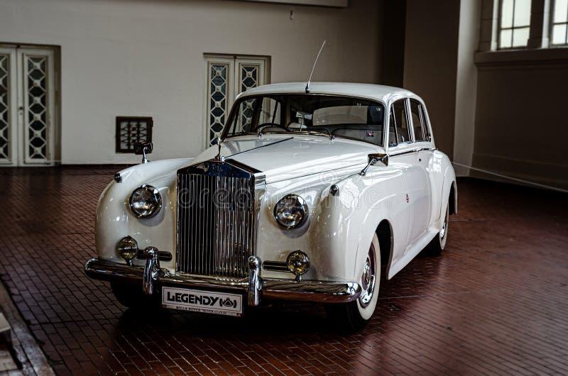 Rolls Royce srebra chmura obraz royalty free