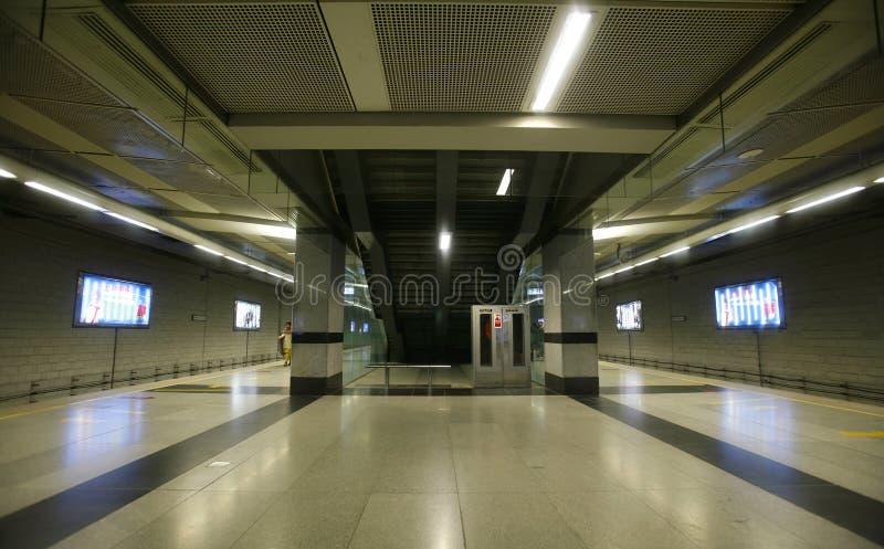 Rolltreppe am U-Bahnhof, Delhi stockfotos