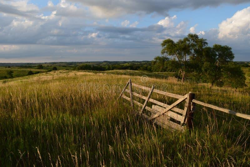 Rolnej bramy luksusowy paśnik wiejski Nebraska obrazy stock