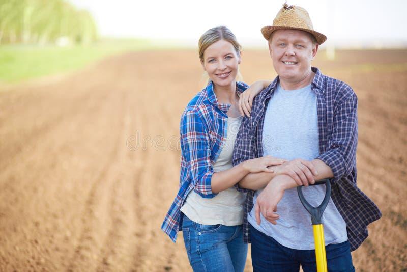 Rolnicy na polu zdjęcia stock