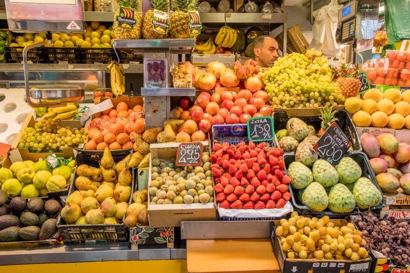 Download Rolny rynek w Malaga fotografia editorial. Obraz złożonej z owoc - 106909347