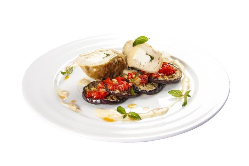 Rolo da galinha com beringelas e molho de Dzadziki imagens de stock royalty free