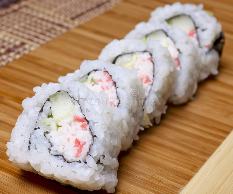 Rolo de Califórnia dos Sushi- foto de stock royalty free