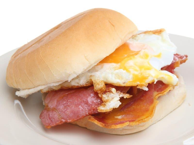 Rolo do pequeno almoço do bacon & do ovo fotografia de stock royalty free