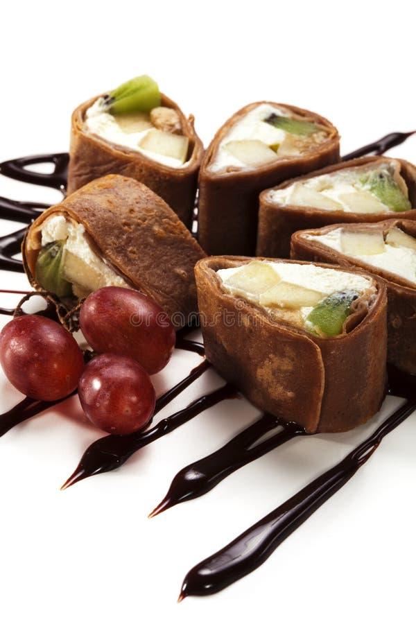 Rolo do sushi do chocolate imagem de stock royalty free