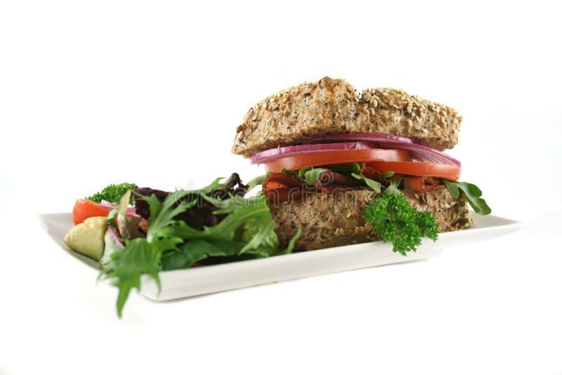 Rolo Wholegrain 8 da salada imagem de stock royalty free