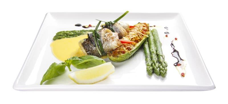Rolos do marisco com aspargo e vegetais imagem de stock royalty free