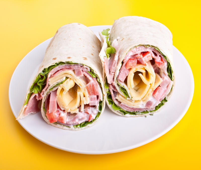 Rolos envolvidos do sanduíche do tortilla imagem de stock royalty free