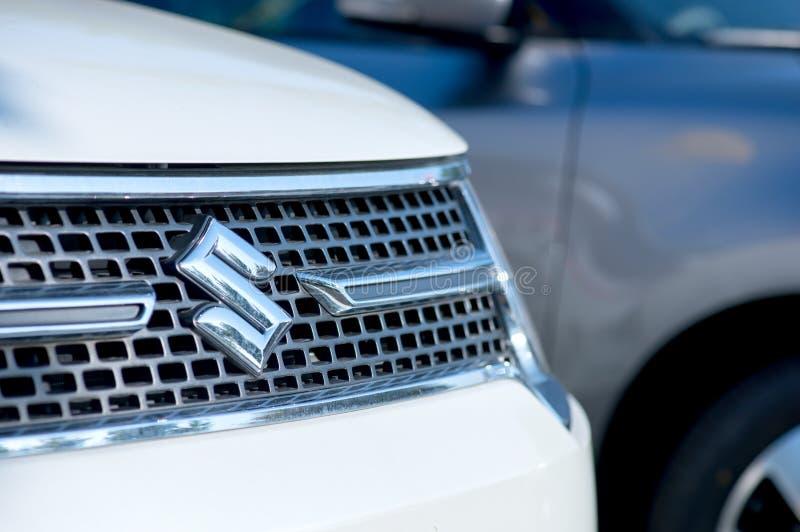 ROMÊNIA 2 DE SETEMBRO DE 2017: Logotipo de Suzuki em uma apresentação do carro no 2 de setembro de 2017 em ROMÊNIA Carro de Japão imagens de stock