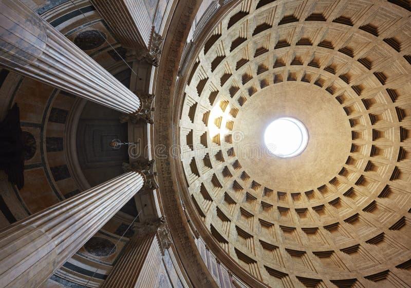 Rom, Ansicht der Haube des Pantheons stockfotografie