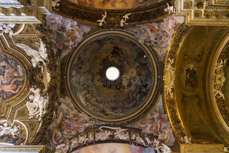 Rom - das Deckenfresko Triumph der Jungfrau in Kirche Chiesa-Di Santa Maria-della stockbilder