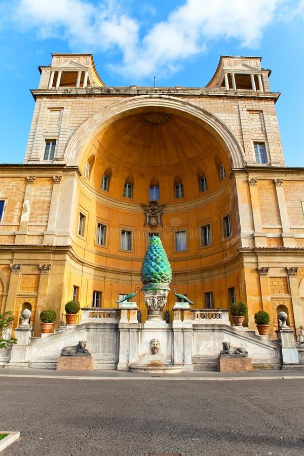 ROM de Pigna do della de Vatican.Fontana o ø ANÚNCIO do século imagens de stock royalty free