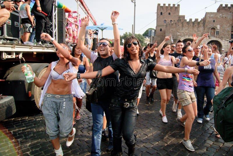 ROM, ITALIEN - 3. JULI 2010 Tag des homosexuellen Stolzes, Paradeleute in Rom lizenzfreie stockfotos
