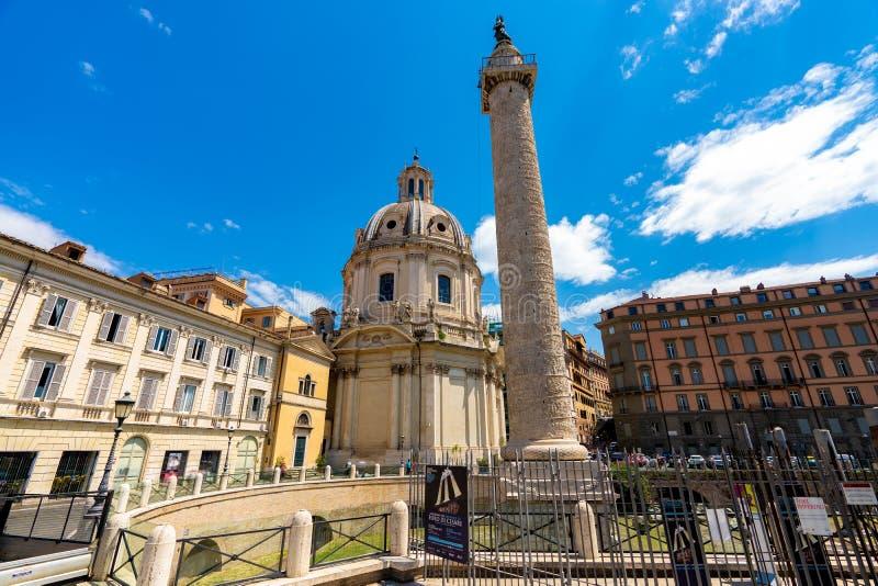 Rom-Trajanssäule-Architektur im Rom-Stadtzentrum stockfotografie