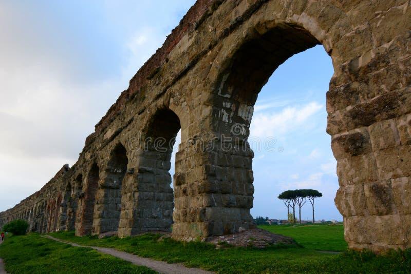 Romański akwedukt. Parco degli Acquedotti, Roma obraz royalty free
