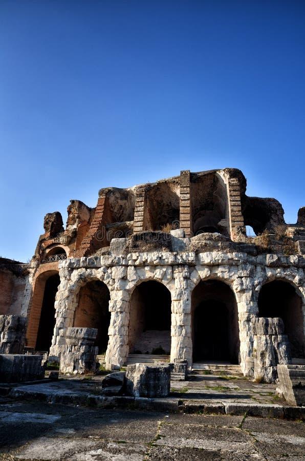 Romański amfiteatr Capua Włochy obraz stock
