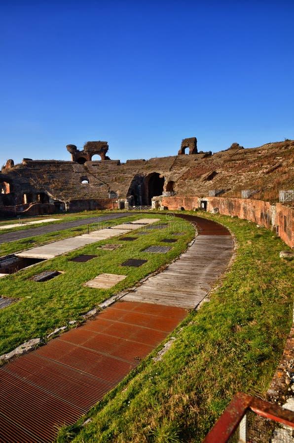 Romański amfiteatr Capua Włochy zdjęcie stock