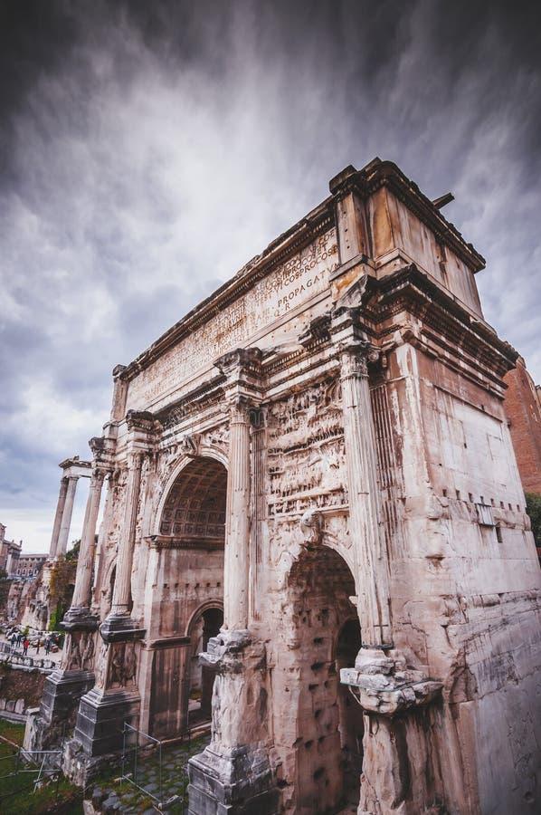 Romański forum, widok od Capitolium wzgórza w Rom obraz royalty free