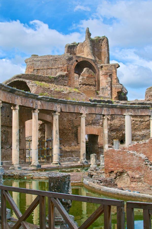 Romańskie cesarza Adriano willi ruiny w Tivoli obrazy stock