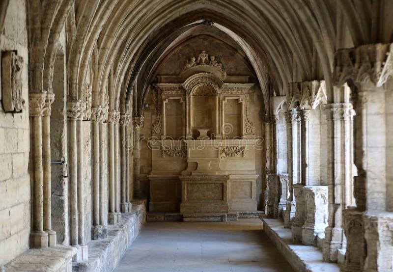 Romańszczyzna Cloisters kościół świętego Trophime katedra w Arles Provence, zdjęcie stock