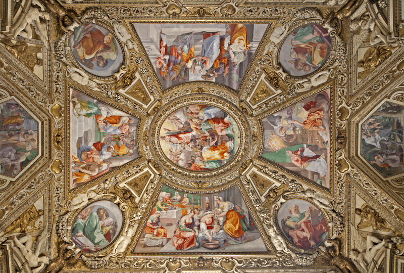 Roma - capela lateral - basílica de Santa Maria Maggiore fotografia de stock royalty free