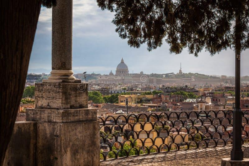 Download Roma da sopra immagine stock. Immagine di cupole, roma - 56887073