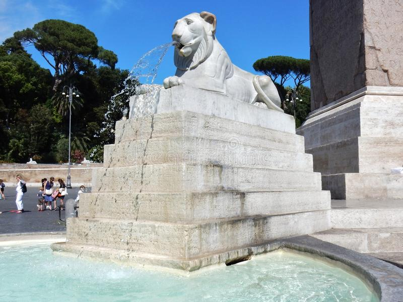 Roma - dettaglio della fontana dei leoni fotografia stock libera da diritti
