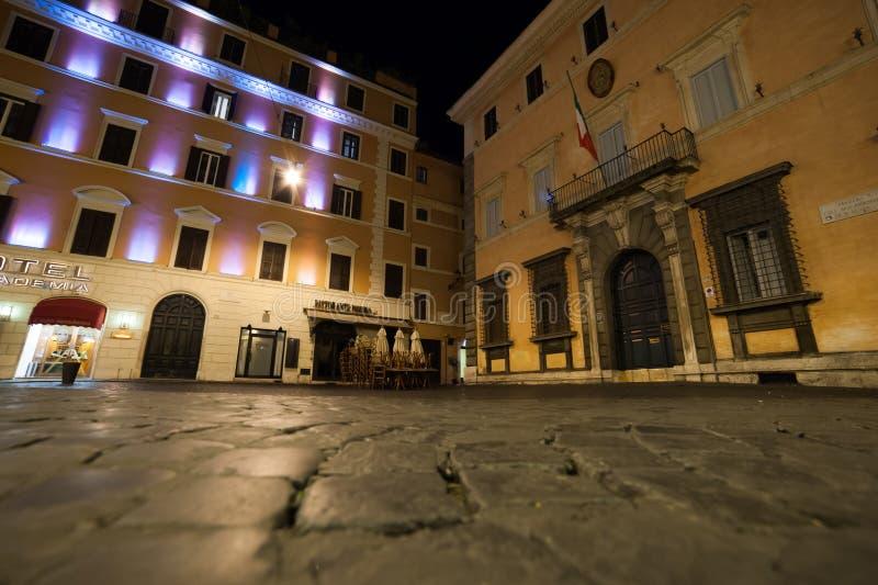Roma di notte, un punto di vista differente fotografie stock libere da diritti